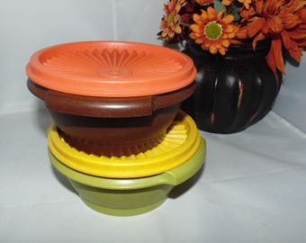 Two Vintage Tupperware SERVALIER BOWLS #1323 Mixed colors lids