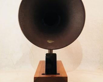 Acoustic Speaker, iPhone Speaker, Atwater Kent Speaker, Passive Speaker, Portable Speaker, Music Player, Vintage Speaker, Speaker