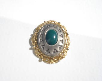 Vintage Oval Green Brooch - Gold and Silver 1980s Pin -  Retro Costume Jewelry