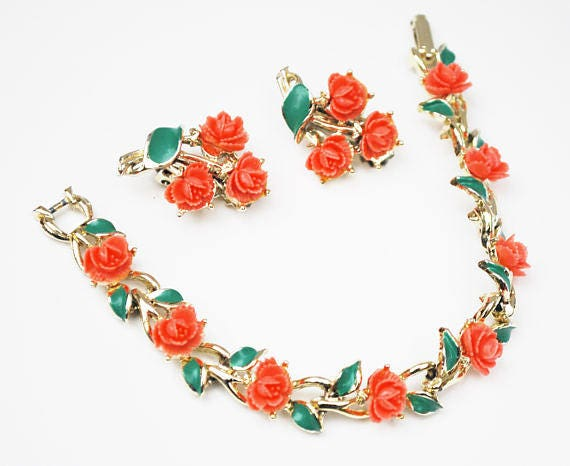Celluloid flower link bracelet and earring Set - coral flower - green enamel - clip on earrings - Mid Century-