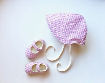 Organic Reversible Baby Bonnet Baby Gift with Geometric Pink and Cream