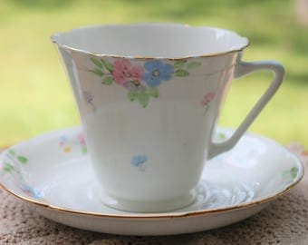 ROYAL GRAFTON Bone China Teacup and Saucer Set