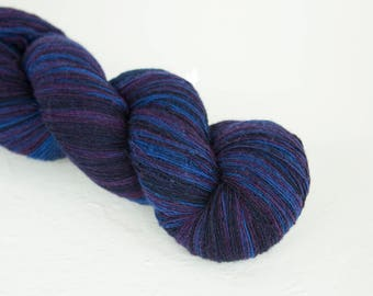 Artistic wool, laceweight art wool blue purple colors, Longstriped artistic wool. Aade Long