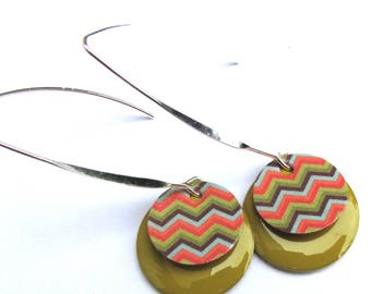 """Earrings """"zigzag"""" tag sequins, sequin lime green enamel"""