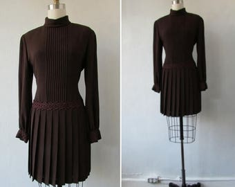 30% Off Flash Sale 1960s dress   vintage 60s dress   vintage chocolate brown dress   small   mod dress   small - medium   The Chocolate Mire