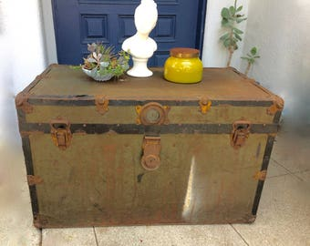 Vintage Steamer Trunk Coffee Table Rustic SteamPunk Storage Chest Primitive Metal Table Toy Chest Vintage Storage Trunk Antique Trunk Table