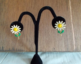 Vintage Small Metal Enamel Daisy Earrings For Crafts //9