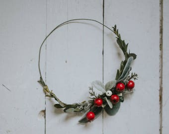Sweet Holly Berry Crown