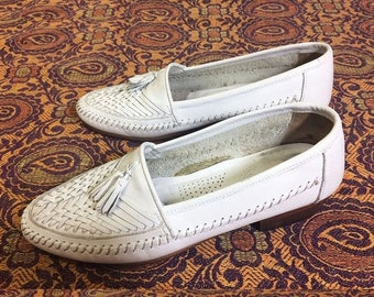 JUNE SALE Vintage 1960's 1970's Mens WHITE Woven Giorgio Brutini Slip Hollywood Loafers With Tassels || Mens Size 8 || Ladies Size 9.5