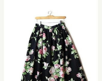 ON SALE Vintage Black x  Floral Printed  Flare Skirt from 1980's/W26*