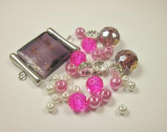 31 glass beads, acrylic and rhinestone 4-20 mm (F41)