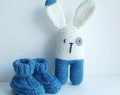 COMMANDE SPECIALE Chaussons bébé et doudous lapins bleu et blanc