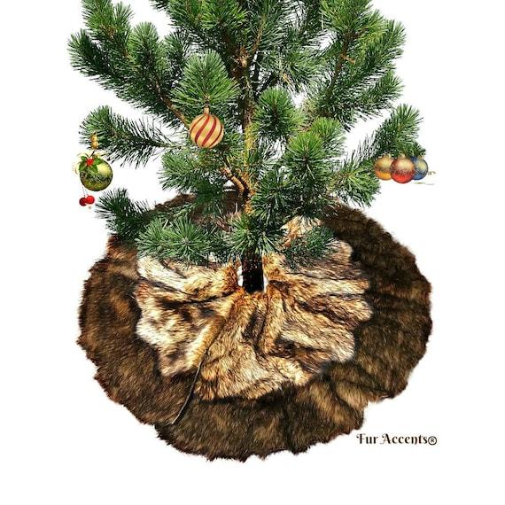 Classic Faux Fur Christmas Tree Skirt Shaggy Shag Faux Wolf