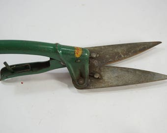 Vintage Garden Clippers, Small Hand Tool, Garden Tool, Grass Clippers Green Metal Tool, Doo Klip, Lewis Engineering Mfg Co, USA,  FREE SHIP