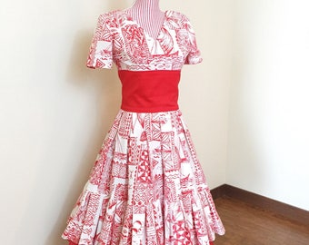 1950s VINTAGE Dress / 50s Dress / Hawaiian Tiki Print / Novelty print dress / Red / Matching Crinoline