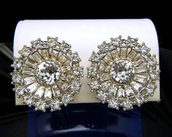 Vintage Crown Trifari Sparkling Rhinestone Baguette Clip Earrings Silver Tone