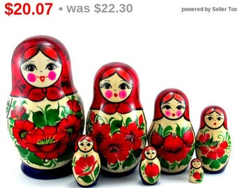 Nesting Dolls 7 pcs Russian Matryoshka doll Babushka Wooden Stacking Suvenirnaya Handmade birthday and christmas gift