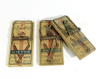 Victor Wooden Mousetraps, Vintage Four Way Snap Traps, Lot of Three