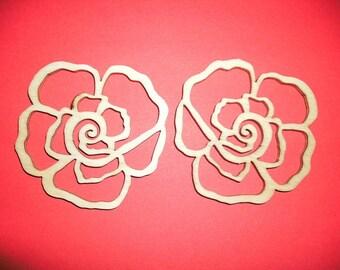 2 roses, wood,  7 cm (01-0007A)