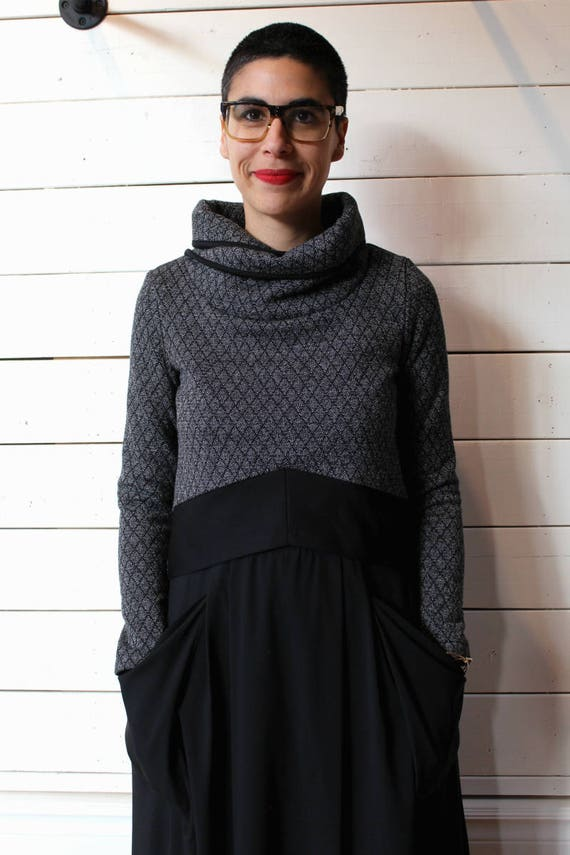TOP 2010 - Crop top long-sleeved, with stand-up collar for women - Quilted gray