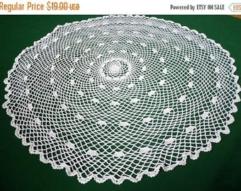 25% SUMMER SALE Vintage off white Crocheted Round big Doily crochet table topper or small tablecloth