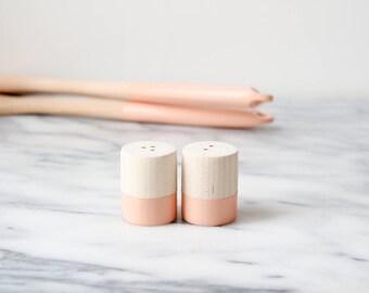 Cantaloupe Maple Wood Mini Salt and Pepper Shaker Set | Wedding Table Salt and Pepper | Wedding Favors | Kitchen Decor | Hostess Gift