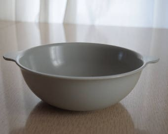 Gray Mallo-Ware Melamine Serving Bowl with Handles