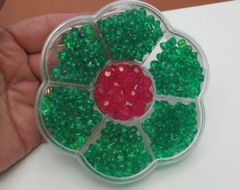 Flower Shaped Clear Plastic Bead Container 7 Compartments Full Of Green & Fuchsia Acrylic Beads
