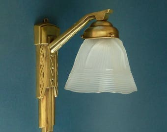 Art deco bronze wall lamp