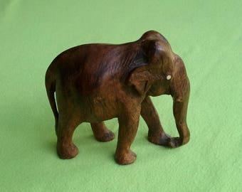 Vintage Hand Carved Wooden Africain Elephant Figurine, Sculpture