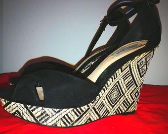 Peephole wedge strappy sandal