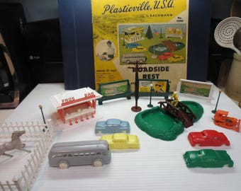 Vintage Plasticville Roadside Rest Unit No. 5200 - 198 by Bachmann 1956
