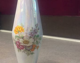 Holographic Vase with Flowers