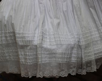SKIRT - Lace RUFFLE, beautiful antique petticoat