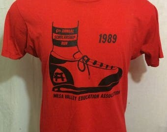 35% OFF SALE Vintage 80s 6th Annual Scholarship Run 1989 SOFT Screen Stars t-shirt - vintage tees - marathon - running - race (Large)