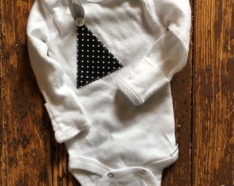 0-3 month long sleeve onesie with hand pockets, New Years, party hat