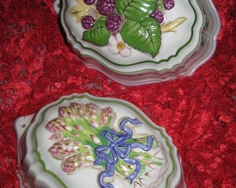 50% Off 2 Cordon Bleu Ceramic Wall Molds Kitchen Decor