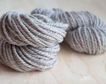 Handspun Polwarth wool yarn / Super Bulky weight natural grey Polwarth handspun yarn for knitting, crochet, and weaving