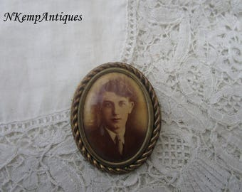 Vintage photgraph brooch