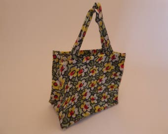 Medium handmade miniature tote bag/shopping bag in 1/12th scale - modern style shopper