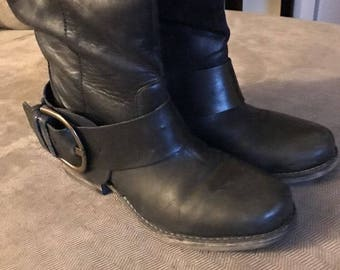 Steve Madden Womens Boots, Designer Biker Boots, Leather Harness Boots, 5.5M Boots, Tall Leather Boots, Riding Boots, Gently Used Boots