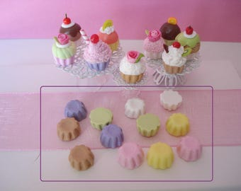 Set of 12 small bases to make your cupcakes in fimo