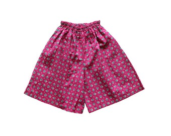 FRENCH VINTAGE 70/80's / kids / dived skirt / pink cotton + floral print / new old stock / size 6/8 years