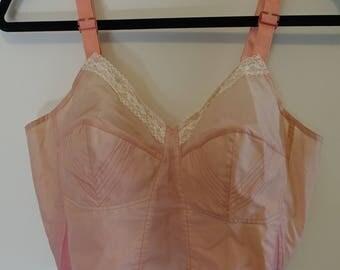 Vintage Pale Pink 50s Triumph Bullet Bra