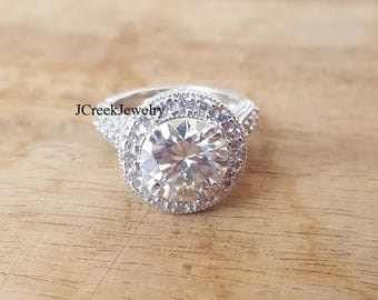 Ladies moissanite classic design in heavy sterling silver