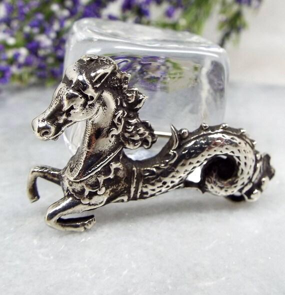 Vintage Continental Silver Hippocampus Water Sea Horse Fantasy Brooch Pin