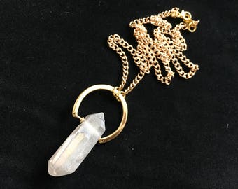 Iridescent Quartz Gold Arc Curb Chain Necklace