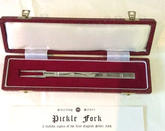 Olive Fork English Sterling Silver  1977  (102655E)