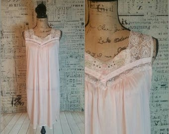 70s Pink Negligee by Glencraft Size Small Union Label I Mad Men Lingerie I Pin Up Burlesque I Bride Bridal Shower Honeymoon Wedding Lingerie