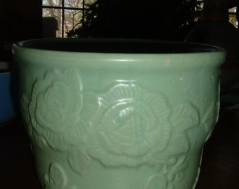 Vintage/Antique green stoneware pottery flower pot/jardiniere